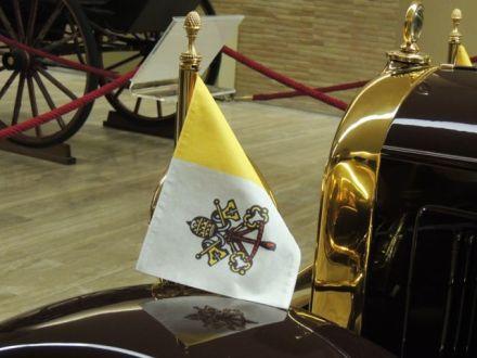 Rome3_Vatican_Flag
